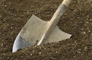 spaten-edelstahl-gärtnerspaten-schaufeln